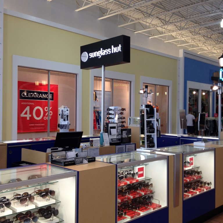 Sunglass Hut Outlet: The Outlet Route 66