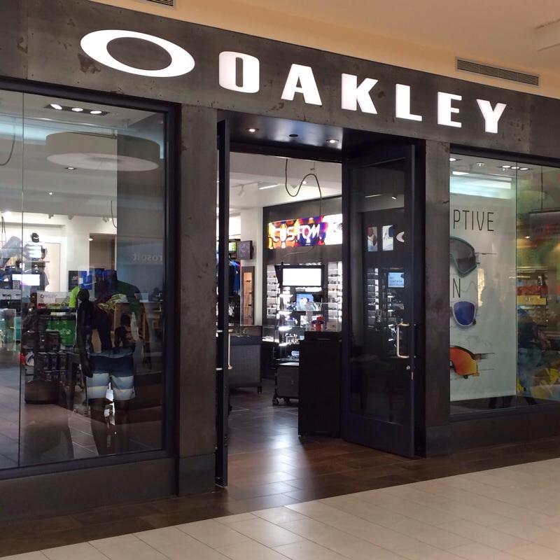 tienda oakley plaza las americas